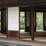 Traditional-Japanese-Tearoom-in-Formal-Garden-000020560906_XXXLarge